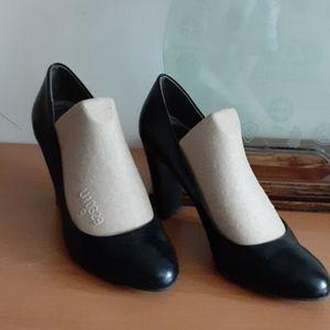 Calvin Klein Black Leather Heels 9 / Style Olive
